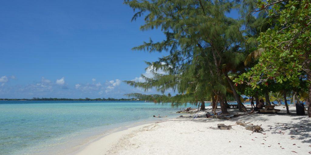 Water Cay beach, Honduras