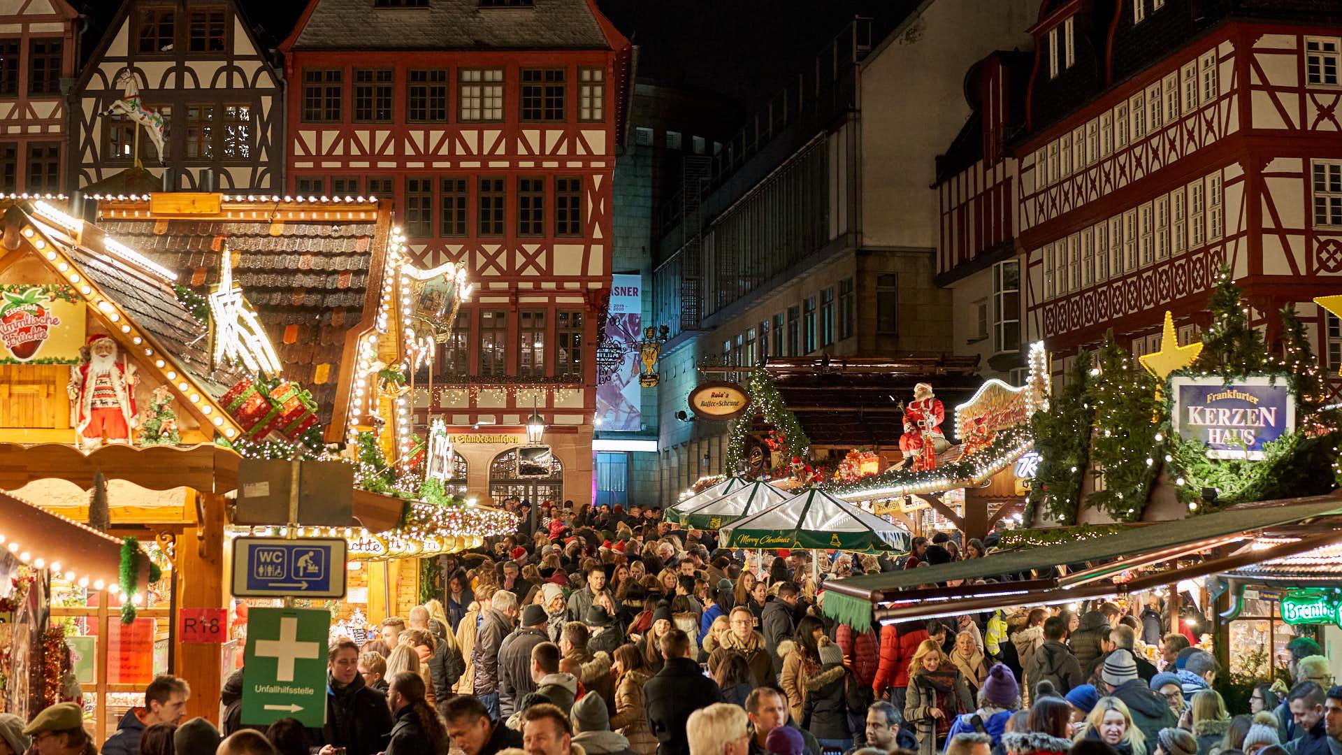 Christmas Market Frankfurt at Roemer