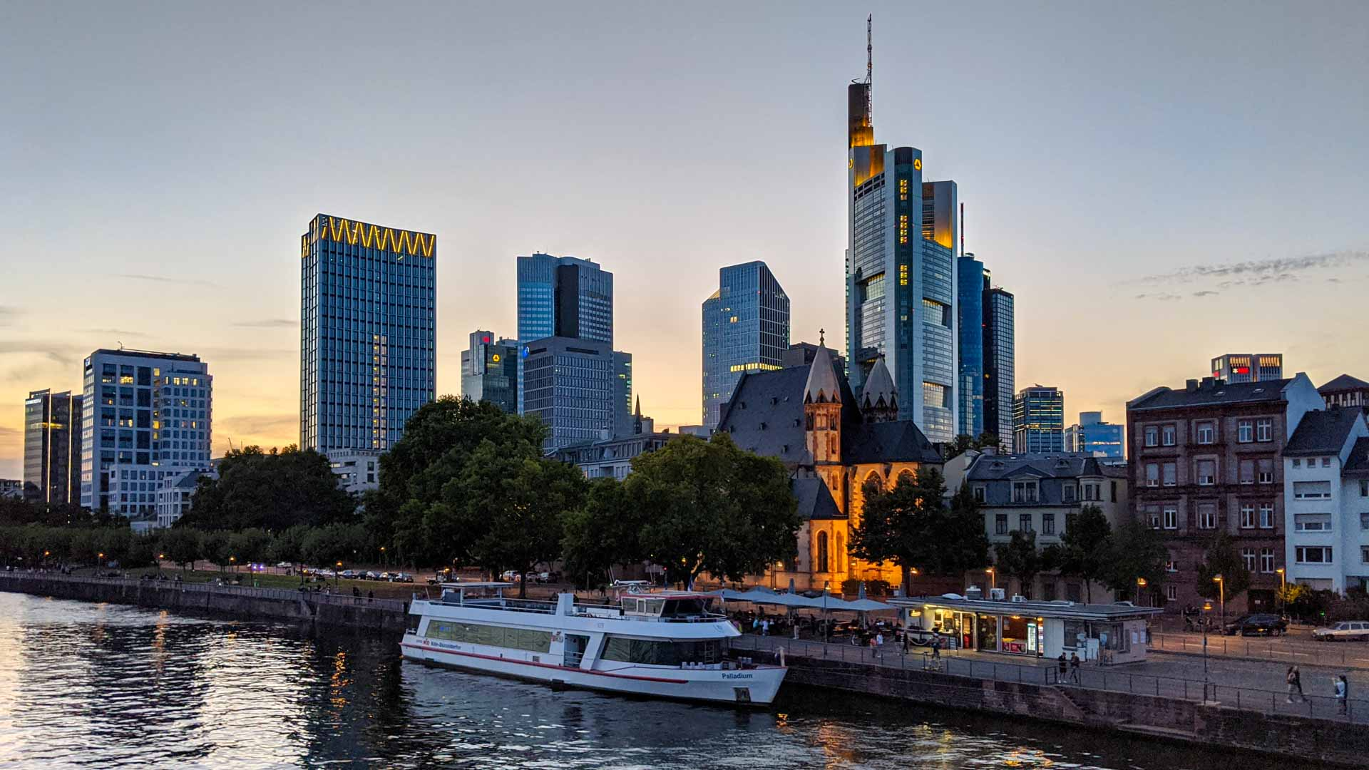 Sunset at the Maikai, Frankfurt