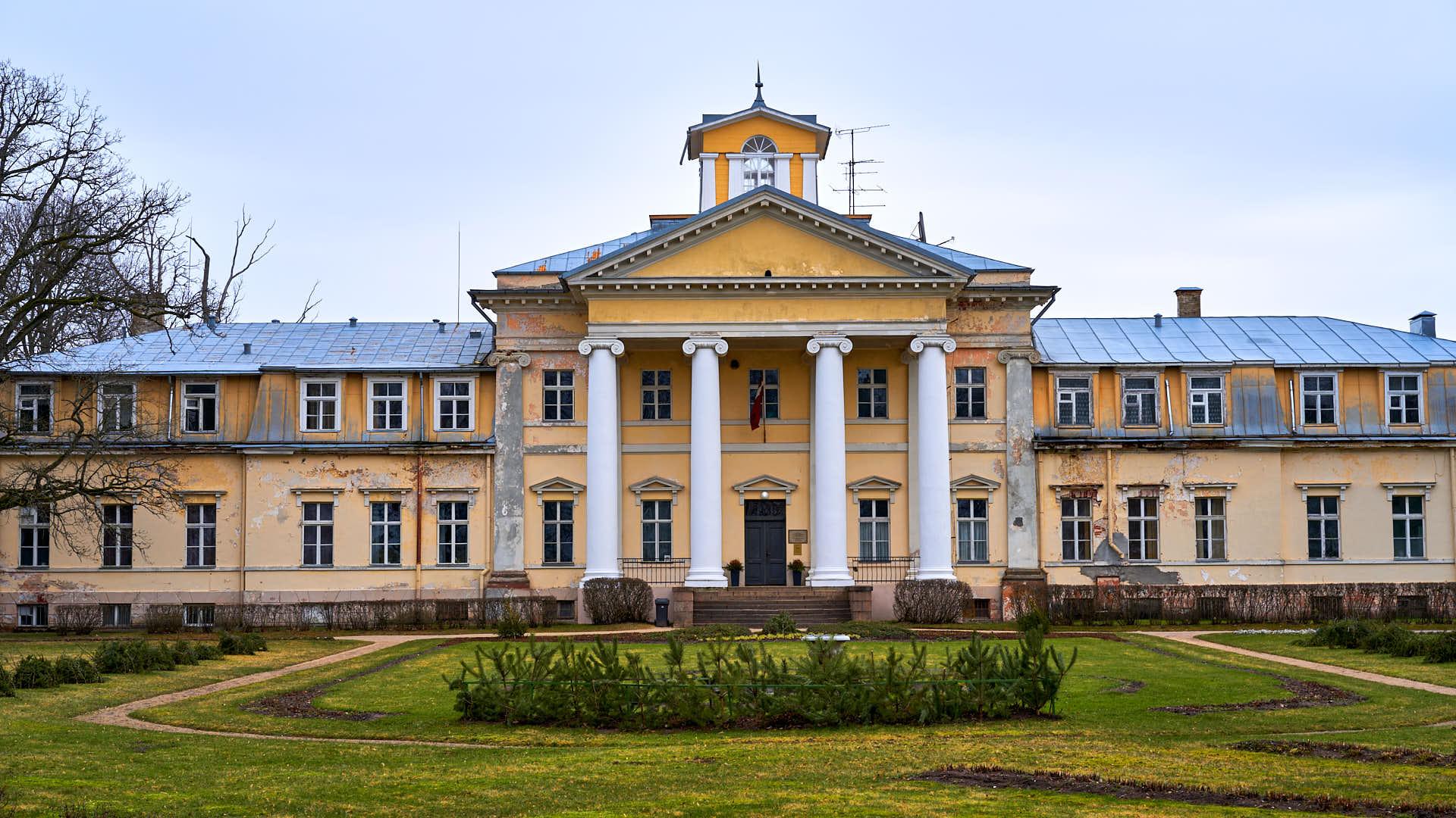 View of the Krimulda Manor near Sigulda