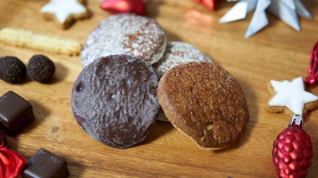 German Oblatenlebkuchen, a type of gingerbread