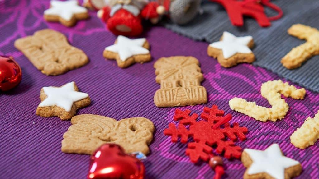 Spekulatius and Zimtsterne, German Christmas cookies