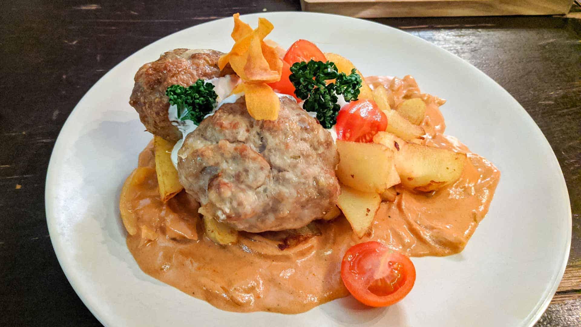 Latvian meatballs with sauce