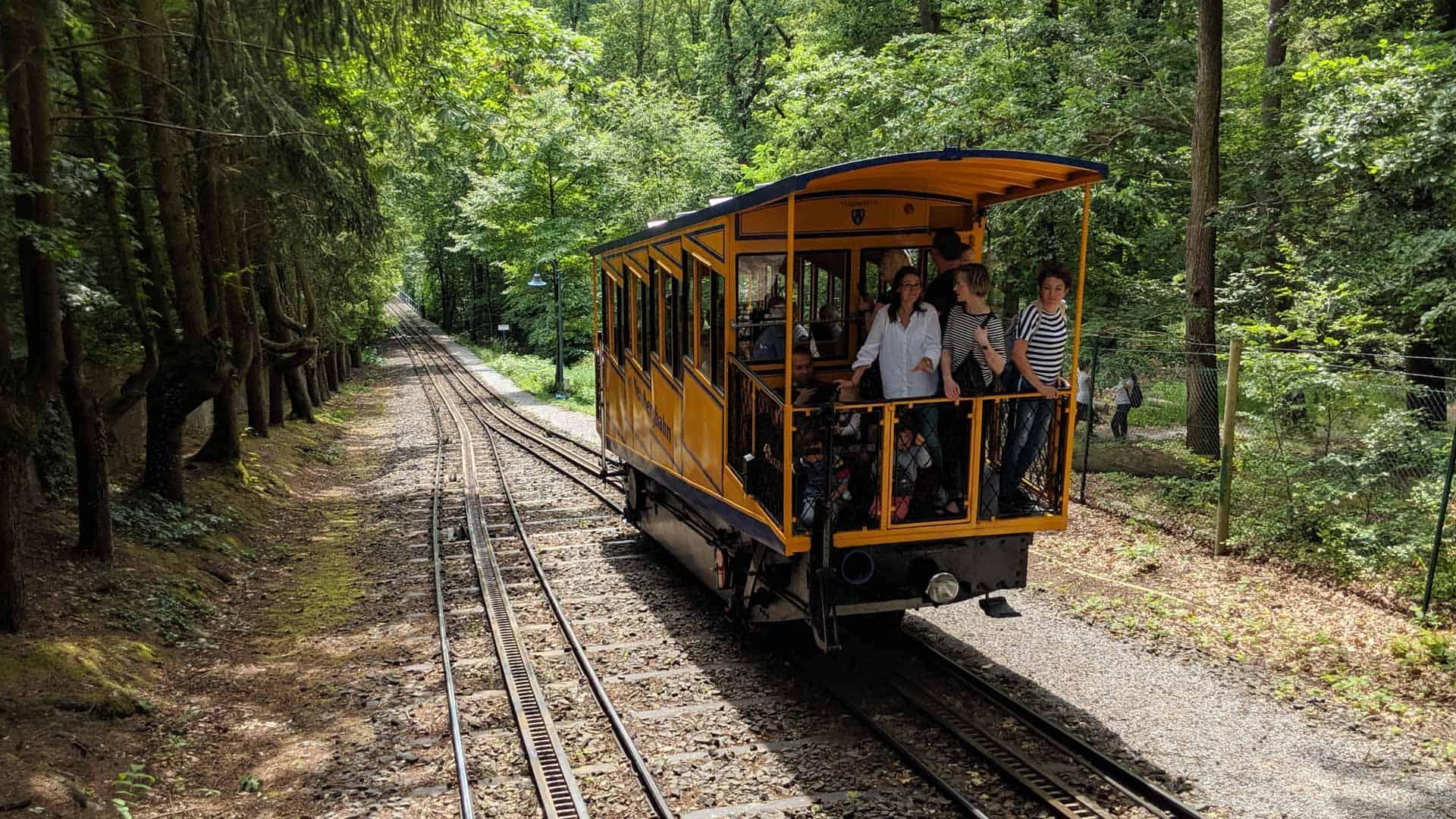 The Nerobergbahn going uphill