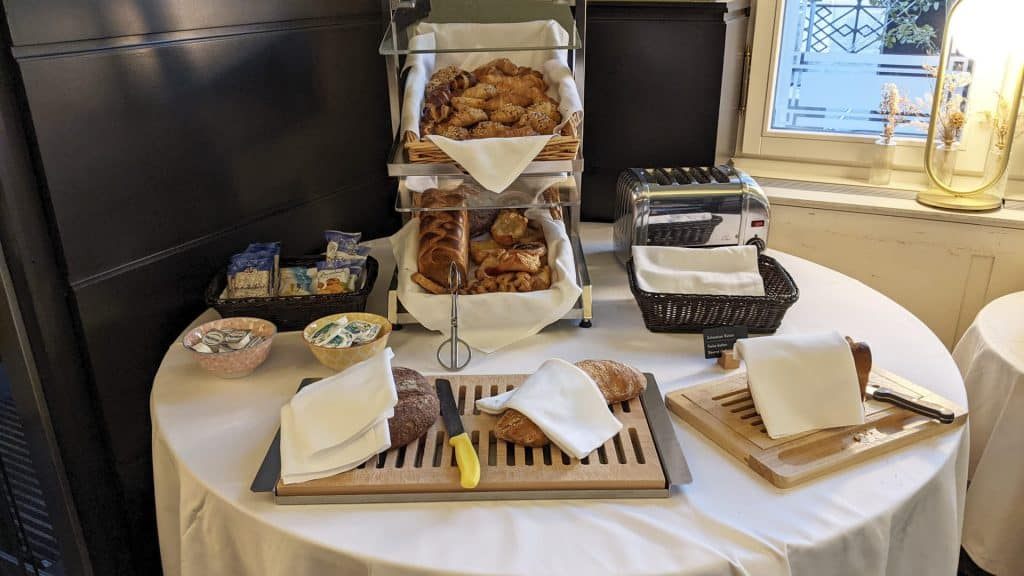Selection of bread and pastries at the breakfast buffet of the Sorell Hotel Merian
